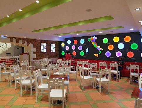 Дизайн кафе и пиццерии Pomidor Фото